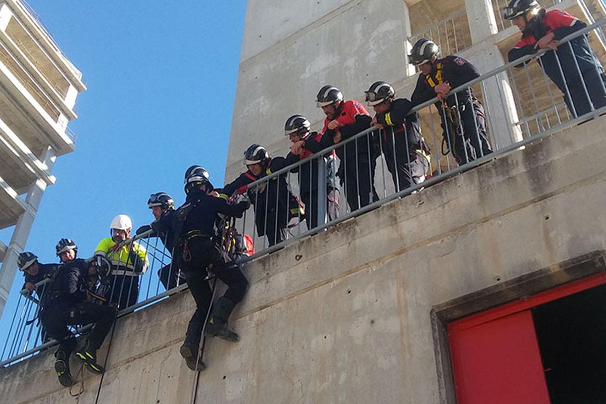 formación profesional para bomberos en rescate