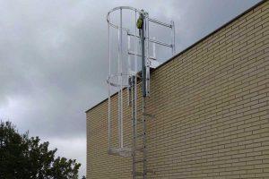 escalera pared vertical