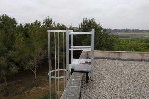 escaleras de acceso vertical