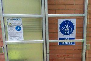 escalera vertical de seguridad