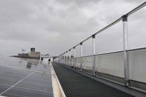 Barandillas de protección sobre una cubierta
