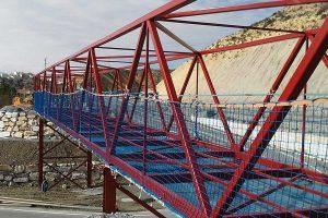 redes de protección en altura instaladas en un puente
